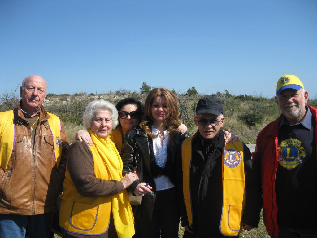 Η Θάλεια Χούντα με τον κ. Σωτήρη Παγώνη και τους Lions, κ. και κα. Σαρρή, κ. Π. Χατζημαλλή, Αντικυβερνήτη 'B